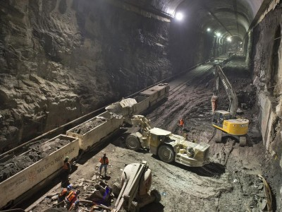 New York East Side Access Project Tunnel